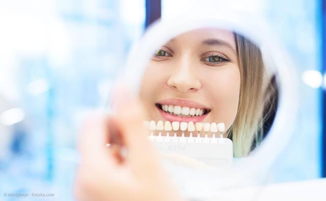 Schöne weiße Zähne mit Bleaching (Zahnaufhellung), Veneers und mehr